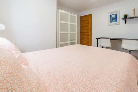Private room for rent from 01 Jun 2020 (Carrer de Mirambell, Valencia)