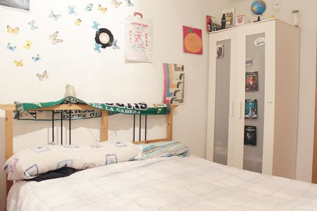 Private room for rent from 01 Jul 2020 (Calle Verde, Sevilla)
