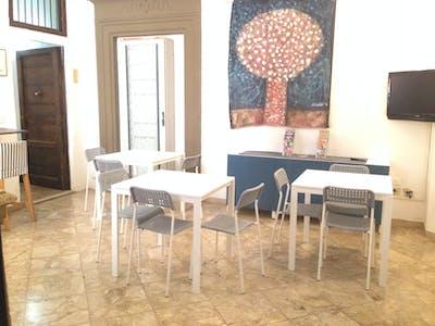 Kamer te huur vanaf 12 aug. 2018 (Via del Porrione, Siena)