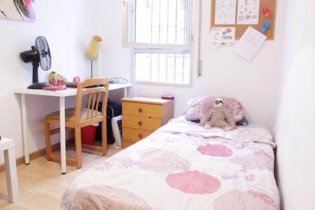 Habitación privada de alquiler desde 01 jul. 2019 (Calle Sol, Sevilla)