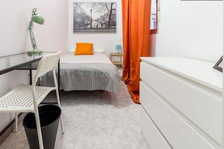 Room for rent from 21 Oct 2018 (Carrer de Sagunt, Valencia)