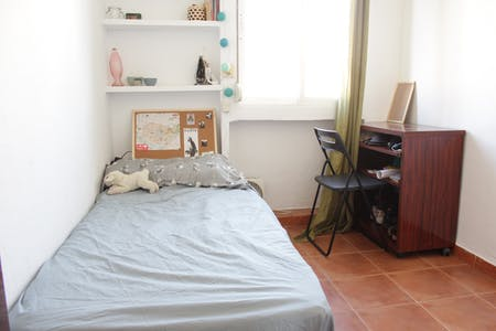 Private room for rent from 19 Aug 2019 (Calle Lucía de Jesús, Sevilla)