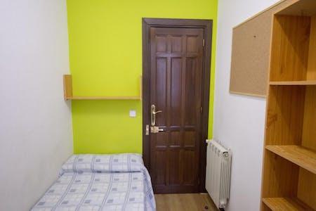 Stanza privata in affitto a partire dal 01 Jul 2020 (Calle de Chinchilla, Madrid)