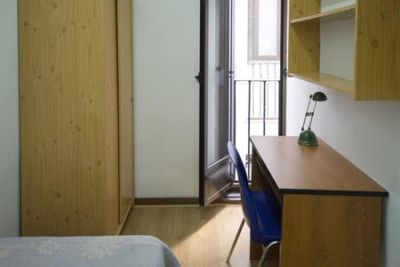 Private room for rent from 01 Jul 2020 (Calle de Chinchilla, Madrid)