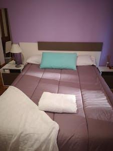 Privé kamer te huur vanaf 01 Feb 2020 (Calle Granados, Oviedo)
