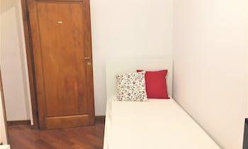 合租房间租从01 8月 2018 (Viale dei Mille, Florence)
