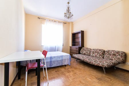 Private room for rent from 30 Jun 2019 (Calle de la Colegiata, Madrid)