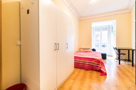 Private room for rent from 30 Jun 2020 (Calle Mesonero Romanos, Madrid)
