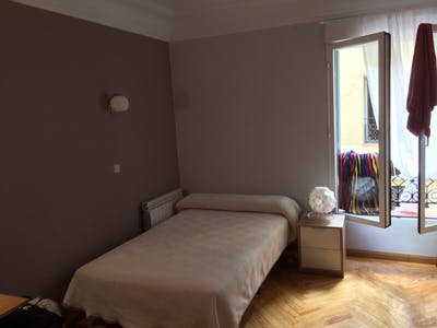 Private room for rent from 30 Jun 2019 (Calle del Conde de Romanones, Madrid)
