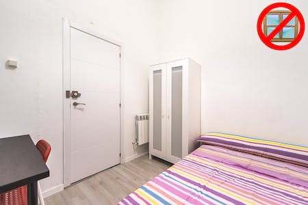 Private room for rent from 31 Oct 2020 (Calle Olivar, Madrid)