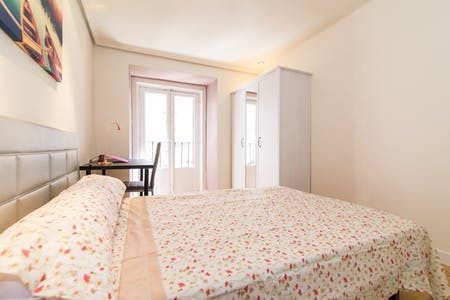 Private room for rent from 29 Feb 2020 (Calle de Arrieta, Madrid)