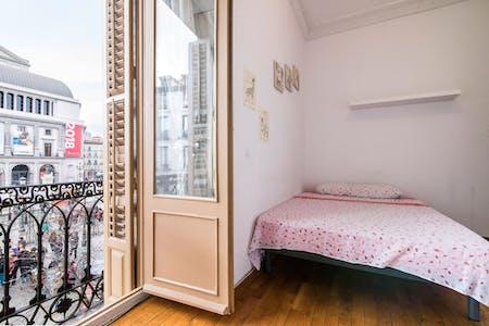 单人间租从01 7月 2019 (Plaza de Isabel II, Madrid)