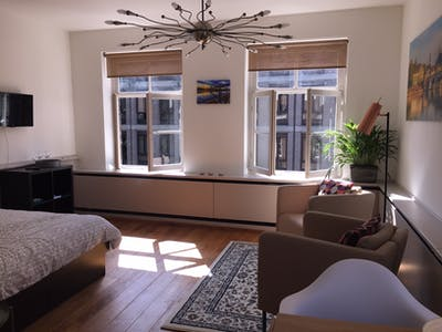 Rental Apartment Living Room Decorating Ideas Townhouse For Rent ...