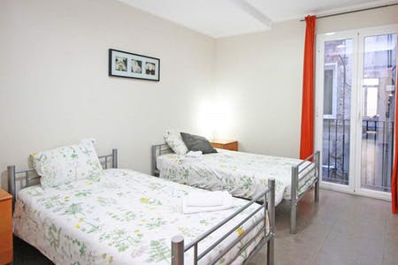 Private room for rent from 01 Dec 2019 (Carrer de l'Hospital, Barcelona)