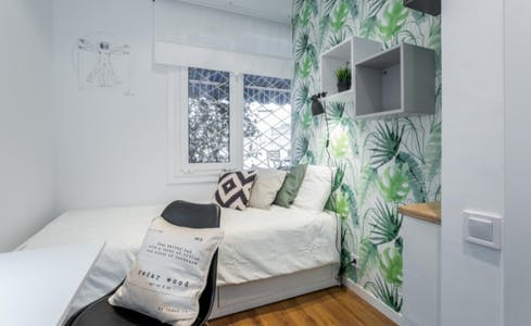 Private room for rent from 01 Aug 2019 (Avinguda del Príncep d'Astúries, Barcelona)