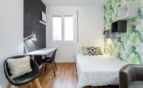 Zimmer zur Miete von 01 Aug 2019 (Avinguda del Príncep d'Astúries, Barcelona)