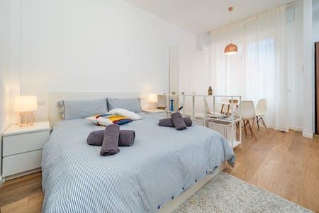 Apartamento para alugar desde 01 ago 2019 (Via Accademia, Milano)