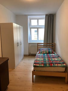 Privé kamer te huur vanaf 31 mrt. 2020 (Kurze Straße, Berlin)