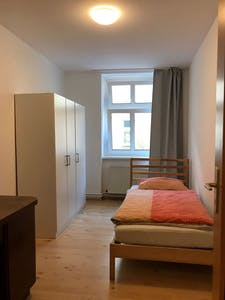 Private room for rent from 14 Apr 2019 (Kurze Straße, Berlin)