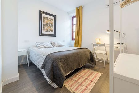 Room for rent from 31 Oct 2018 (Carrer de na Jordana, Valencia)