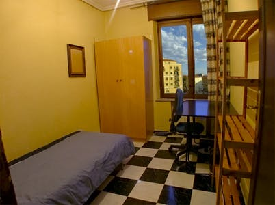 Private room for rent from 01 Jul 2019 (Calle Vecinos, Salamanca)