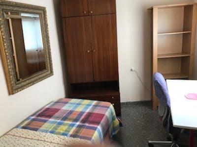 Private room for rent from 01 Jul 2020 (Calle Arquitecto Emilio Perez Piñero, Murcia)