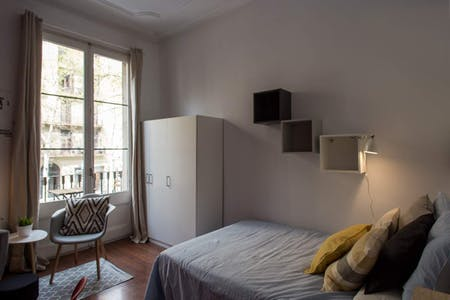 Private room for rent from 01 Aug 2019 (Ronda de Sant Pere, Barcelona)