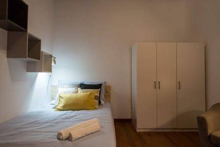 Room for rent from 01 Jan 2019 (Ronda de Sant Pere, Barcelona)