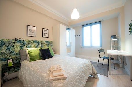 Private room for rent from 01 Jul 2019 (Ávila Kalea, Bilbao)