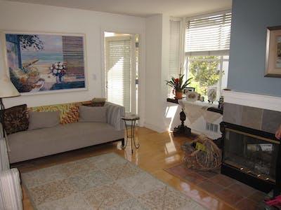 Room for rent from 20 Jul 2018 (Chestnut Street, San Francisco)