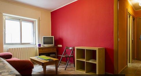 Appartement te huur vanaf 01 Aug 2020 (Calle Cuarta, Salamanca)