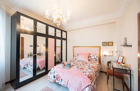 Private room for rent from 01 Jan 2020 (Unamuno Miguel Plaza, Bilbao)