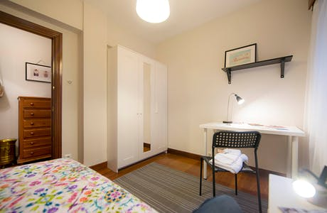 Privé kamer te huur vanaf 31 mei 2019 (Aldamiz Mendiaren Kalea, Bilbao)