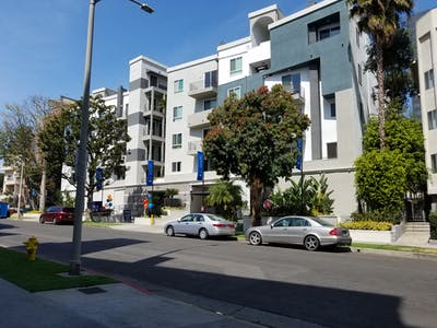 Shared room for rent from 19 May 2019 (Wellworth Avenue, Los Angeles)