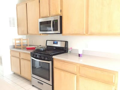 Private room for rent from 19 Sep 2019 (South Bentley Avenue, Los Angeles)