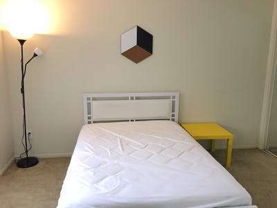 Private room for rent from 26 May 2019 (South Barrington Avenue, Los Angeles)