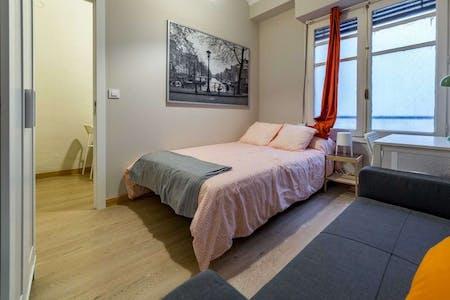 Habitación privada de alquiler desde 01 oct. 2020 (Carrer del Mar, Valencia)