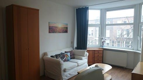Habitación privada de alquiler desde 02 May 2020 (Boerhaavelaan, Schiedam)