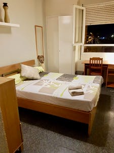 Room for rent from 19 Oct 2018 (Avinguda del Paraŀlel, Barcelona)