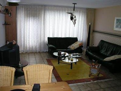 Privé kamer te huur vanaf 01 jul. 2020 (Duke Ellingtonstraat, Rotterdam)