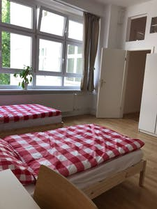Room for rent from 31 Mar 2019 (Kolonnenstraße, Berlin)