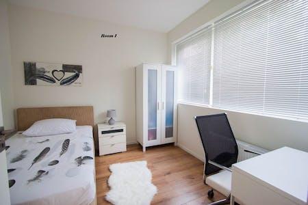 Privatzimmer zur Miete von 01 Apr. 2019 (Buttervlietstraat, Rotterdam)