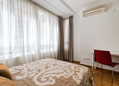 Private room for rent from 01 Aug 2019 (Calle Valdés, Alicante)