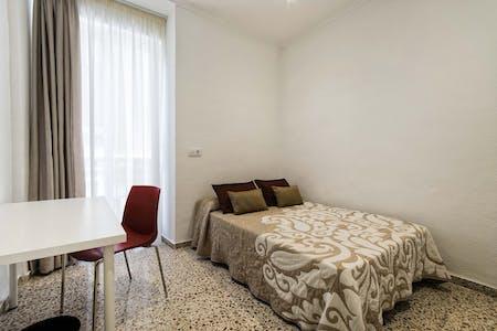 Habitación privada de alquiler desde 01 jul. 2019 (Calle Valdés, Alicante)