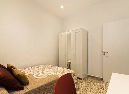 Private room for rent from 01 Jul 2019 (Calle Valdés, Alicante)