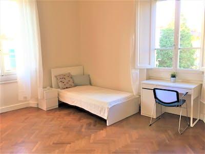 Zimmer zur Miete von 01 Mar 2019 (Via Castelfidardo, Florence)