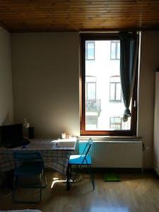 WG-Zimmer zur Miete ab 01 Juli 2020 (Rue Gray, Ixelles)