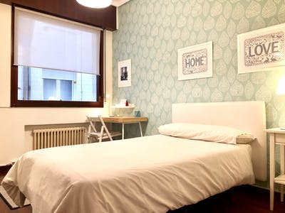 Private room for rent from 01 Dec 2019 (Heros Kalea, Bilbao)