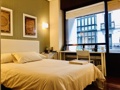 Private room for rent from 01 Jul 2020 (Heros Kalea, Bilbao)