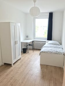 Private room for rent from 01 Jan 2021 (Tempelhofer Weg, Berlin)